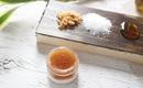 Làm mặt nạ tẩy da chết cho môi bằng những nguyên liệu mà bếp nào cũng có