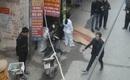 Hà Nội: Nam thanh niên tử vong trước một trường mầm non nghi rơi từ tầng cao