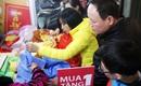 Hà Nội: Thời trang xả hàng Tết đến 70%, nhiều người bỏ về vì xếp hàng thanh toán quá lâu