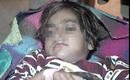 Bé gái 6 tuổi nằm thoi thóp sau khi bị hãm hiếp, cắt cổ rồi vứt vào cống gây phẫn nộ
