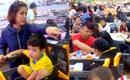 Siêu thị Sài Gòn bán đến 0g, cha mẹ nơm nớp lo lạc con, nhân viên tính tiền mệt bở hơi tai vì quá đông