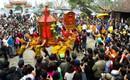 Độc đáo nghi thức trầm mình dưới nước lạnh rước kiệu Thánh ở Thái Bình