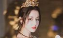 Địch Lệ Nhiệt Ba hóa công chúa sang chảnh, cùng Vương Tuấn Khải ngồi ghế đầu dự show Dolce & Gabbana