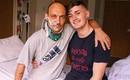 Người đàn ông bất ngờ tỉnh dậy sau 2 ngày gia đình rút ống thở và chuẩn bị thủ tục tang lễ