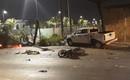 TP.HCM: Ô tô điên tông một loạt xe máy dừng chờ đèn đỏ ngay trung tâm Quận 1, nhiều người thương vong