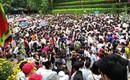 Clip: Biển người đổ về Đền Hùng dù chưa chính hội 10/3, nhiều du khách đợi 2 tiếng chưa lên được tới đền