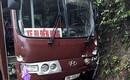Phú Thọ: Xe chở khách đi Đền Hùng bất ngờ đâm vào xe máy khiến 2 người bị thương nặng