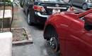 Truy lùng kẻ lạ mặt đâm thủng lốp gần 10 chiếc ô tô ở Hà Nội