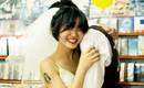 """""""Hãy yêu và cưới một chàng trai khiến bạn cười như thế"""": Bộ ảnh cưới cô dâu cười tít mắt khiến MXH chao đảo"""