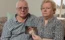 Úc: Bị trộm hết tiền, đôi vợ chồng già người Anh đòi từ mặt, trục xuất con trai bất hiếu về nguyên quán