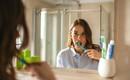 Sửa ngay những thói quen tưởng vô hại nhưng lại âm thầm tàn phá hàm răng của bạn