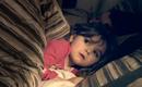 """Bố mẹ hoảng sợ khi con gái 4 tuổi cứ nửa đêm lại nói chuyện với """"không khí"""", bác sĩ bối rối hơn 2 năm mới tìm ra nguyên nhân"""
