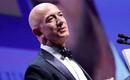 Làm sếp ngân hàng lương 6 chữ số năm 1994 vẫn quyết bỏ việc, người đàn ông này khởi nghiệp bán sách và giờ giàu nhất thế giới