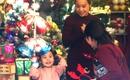 Người Hà Nội tấp nập mua đồ trang trí Noel ở Phố Hàng Mã