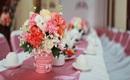 Gợi ý những mẫu hoa để bàn siêu đẹp cho ngày ăn hỏi