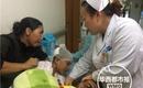 Đang trên đường đi học về, bé trai 12 tuổi bị đàn khỉ hoang xúm vào tấn công trọng thương