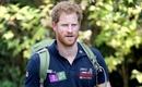 Hoàng tử Anh gây sốt khi lao vào giải cứu cá sấu châu Phi