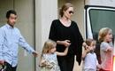 Angelina Jolie tiếp tục được giữ quyền nuôi con