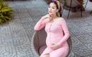 Á Hậu Diễm Trang không cầm được nước mắt khi con gái chào đời