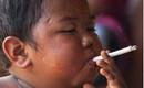 Cậu bé 2 tuổi hút 40 điếu thuốc lá mỗi ngày khiến thế giới phải sốc, giờ đã ra sao?