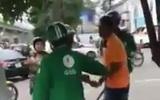 Hà Nội: Cho rằng bị tranh khách, xe ôm truyền thống dùng gậy đuổi đánh tài xế grab