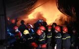 Hà Nội: Cháy lớn tại phố Minh Khai trong đêm Valentine