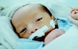 Tiếng khóc trẻ thơ kéo người mẹ ung thư dạ dày giai đoạn cuối vượt tử thần trở về chờ gặp con