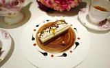 """""""Kháo nhau"""" thưởng thức bánh nghệ thuật trên đĩa có 1-0-2 tại tiệm trà chiều De Vu"""