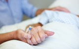 Người bị ung thư giai đoạn muộn sẽ phục hồi chức năng nếu được chăm sóc đúng cách