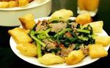 Trời Hà Nội mưa lạnh thế này thì vào bếp làm ngay món ăn nóng hổi giòn rụm này đi!