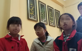 Hà Nội: Nam thanh niên lạ mặt dụ dỗ 2 học sinh tiểu học lên xe máy chở đi mua kẹo ngay trước cổng trường