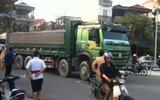 Hà Nội: Người phụ nữ gánh rau bán rong tử vong dưới bánh xe tải