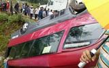 Hà Giang: Xe khách 24 chỗ lao xuống ruộng rồi lật ngửa, nhiều người bị thương