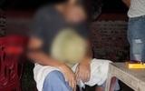 Phú Thọ: Người đàn ông đột tử ngay tại bàn nước mía trong tư thế ngồi, trên tay vẫn cầm tờ tiền