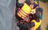 Vượt lũ dữ đưa 3 sản phụ kịp thời đến bệnh viện