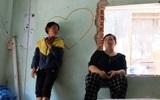 Người già, trẻ nhỏ lao đao dưới mái nhà rách bươm của cựu tuyển thủ bóng bàn khuyết tật ở Sài Gòn