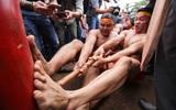 Độc đáo cuộc thi Kéo co ngồi truyền thống giữa lòng Hà Nội