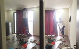 Hồ hởi đứng xem thợ khoan tường lắp rèm chống nắng, chủ nhà té xỉu khi biết... thợ vào nhầm nhà