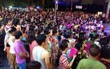 Hà Nội: Nhiều chung cư đồng loạt tổ chức Trung thu, hàng vạn cư dân ùn ùn kéo xuống sân vui chơi