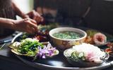 Giữa Sài Gòn xô bồ, vẫn có một nơi bạn có thể tĩnh tâm với đồ ăn thức uống