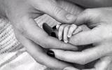 Sinh con ra khi con đã chết, mẹ đau đớn biết cái chết của con có thể ngăn ngừa được