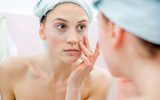 Với những người bị cận thị thì tốt nhất đừng bao giờ làm việc này với mắt của mình trong nhà tắm