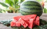 Lương y chia sẻ: Mùa hè mà ăn loại quả đỏ này thì không những thanh nhiệt, giải độc mà còn chữa được nhiều bệnh