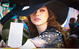 Hồ Ngọc Hà hạnh phúc khoe bức thư tay ngọt ngào Kim Lý gửi