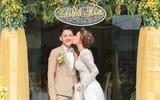 Hải Băng khoe ảnh hôn chồng trong lễ đính hôn nhân kỷ niệm 1 năm bên nhau