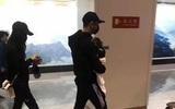 Huỳnh Hiểu Minh và con trai bất ngờ xuất hiện ở sân bay