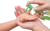 Nước rửa tay khô - các chuyên gia gọi đây là món đồ chơi có khả năng gây tử vong cho trẻ