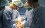 TP.HCM: Lần đầu tiên, một bệnh nhân rối loạn đông máu được phẫu thuật thay khớp gối thành công tại bệnh viện quận