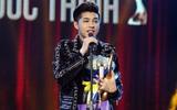 Vượt mặt đàn chị Hà Hồ, Noo Phước Thịnh xúc động nhận giải Ca sĩ của năm