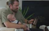 Vợ qua đời sau khi sinh con, chồng nghẹn lời khi phát hiện ra thứ cô để lại